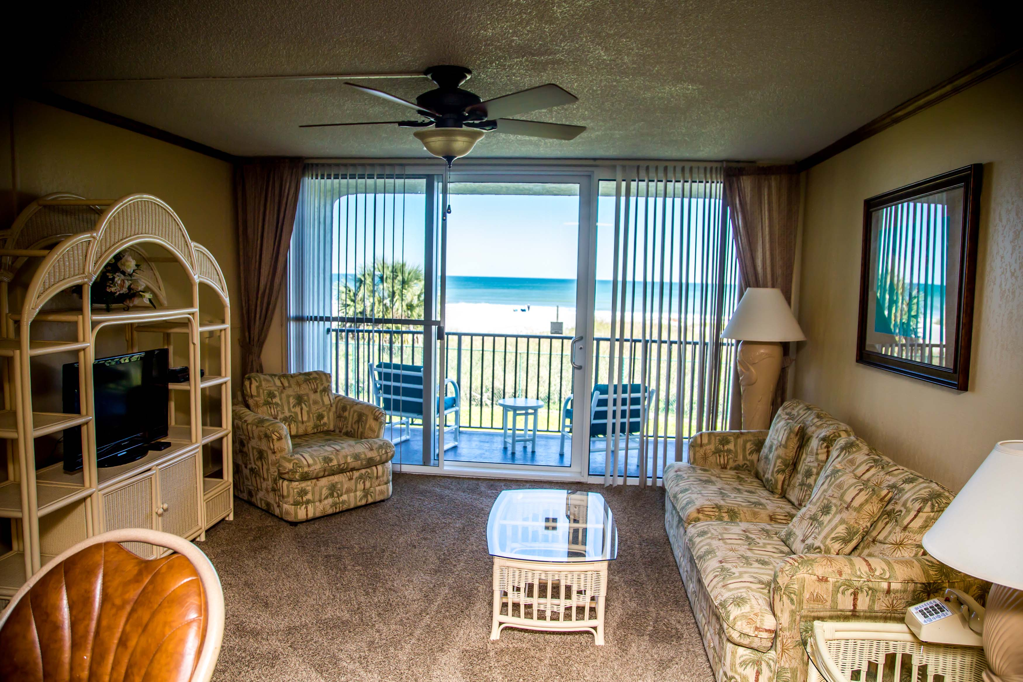 6-Living-Area-Oceanfront-Room