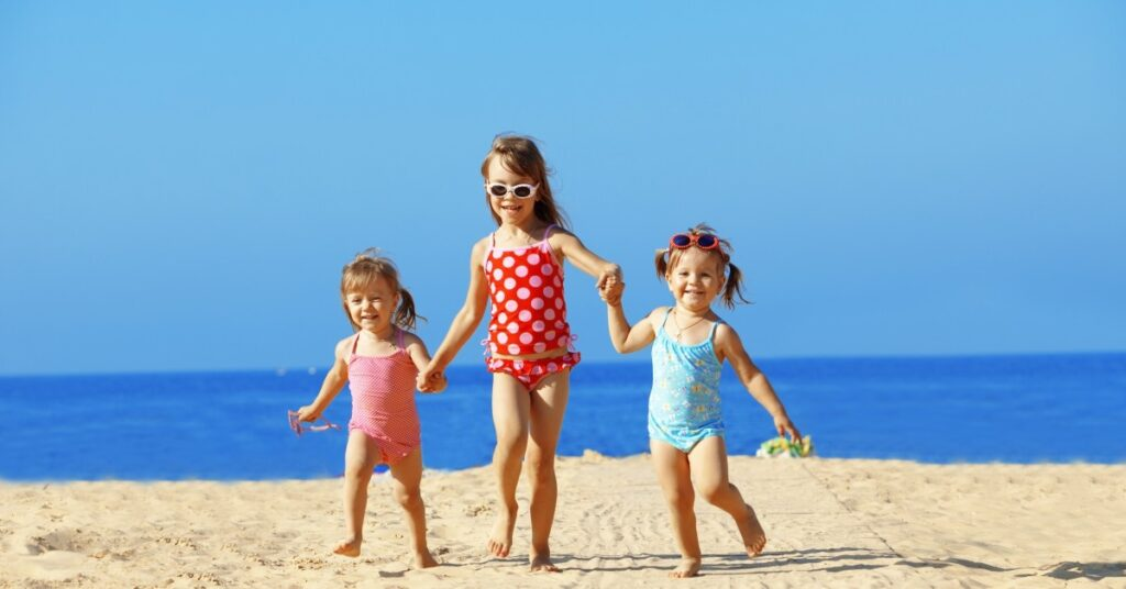 Tips for Taking Your Family to the Beach featured image